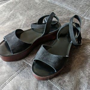 Pour La Victoire Black Platform Sandals Sz 10